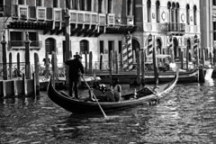 Gondolier in CanalSilverFxHiCtrst